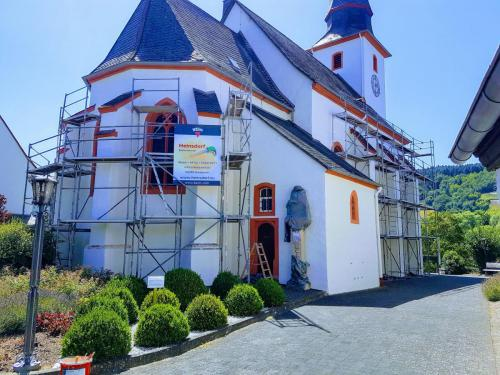 Kirche Detzem 1